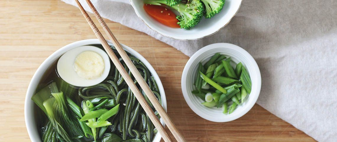 Simple Chlorella Udon Noodle Soup